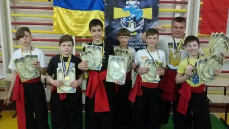 Кропивничани виграли в Одесі 10 медалей з бойового гопaкa