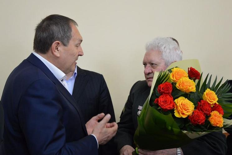 У міськраді Кропивницького привітали з 80-річчям відомого краєзнавця