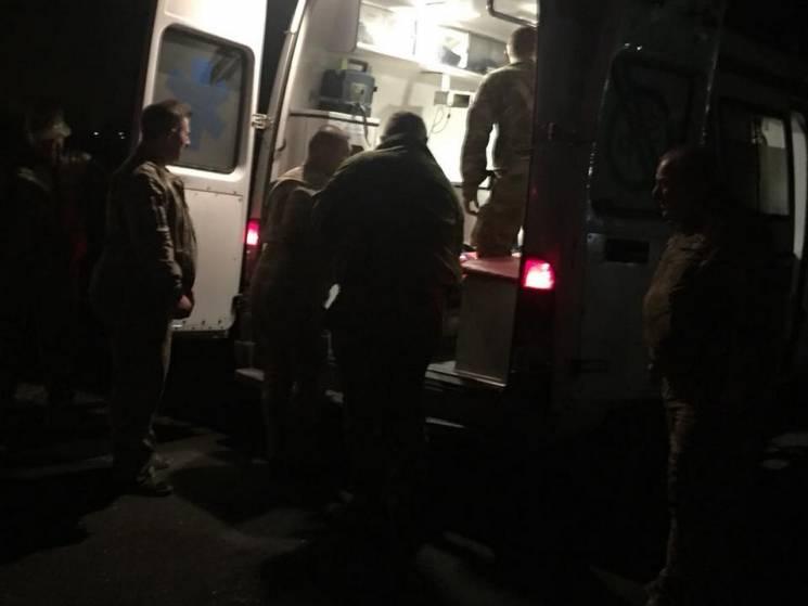 До Дніпра авіацією з АТО доправили важкопоранених бійців