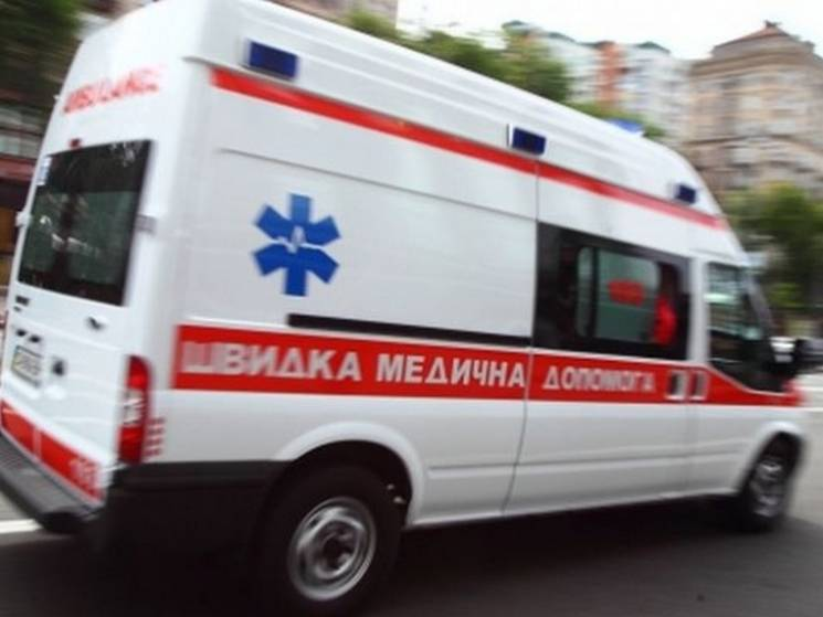 До Кременчуцької лікарні з тяжким алкогольним отруєнням потрапили двоє неповнолітніх