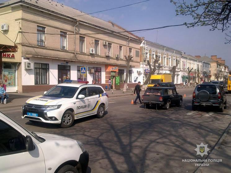 """У Лубнах на Полтавщині водій """"ВАЗа"""" збив жінку-пішохода (ФОТО)"""