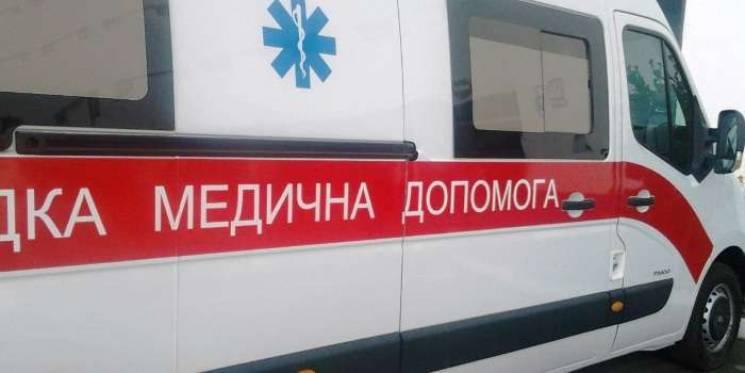 """У Запоріжжі п'яна компанія напала на бригаду """"швидкої"""", лікарку ушпиталили"""