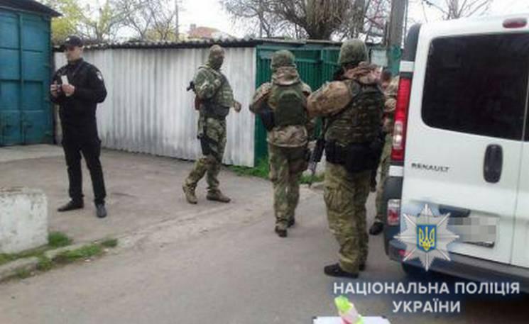 На одній з автостоянок Одеси сталася стрілянина: Є поранені (ФОТО, ВІДЕО)