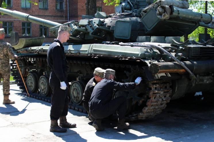 У Харкові черговий танкіст здав свого п&…