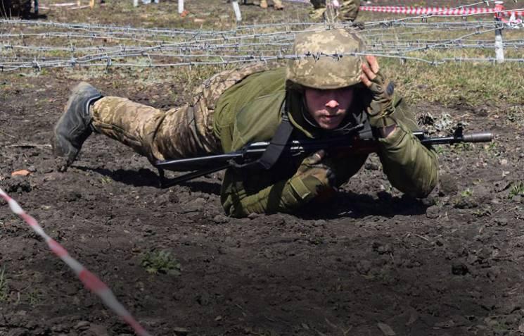 Дешевший, ніж в Албанії: Чому український військовий коштує $12 тисяч