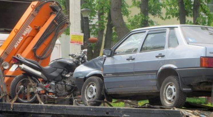 За кермом авто, що збило мотоцикл у Хмельницькому, була працівниця поліції, - ЗМІ