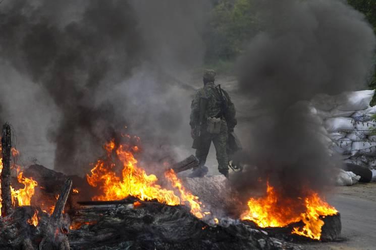 """Бойовики продовжують гатити з """"важкої"""" артилерії: Поранено п'ять бійців"""