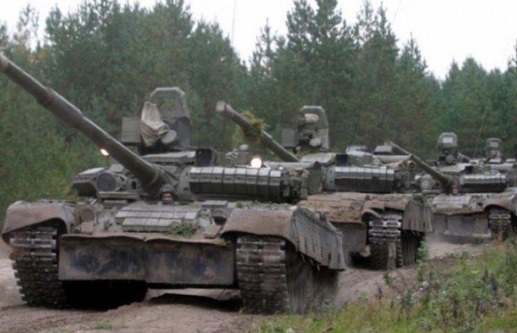 Из РФ в Украину по суше и воде переброшены девять танков и другая бронетехника