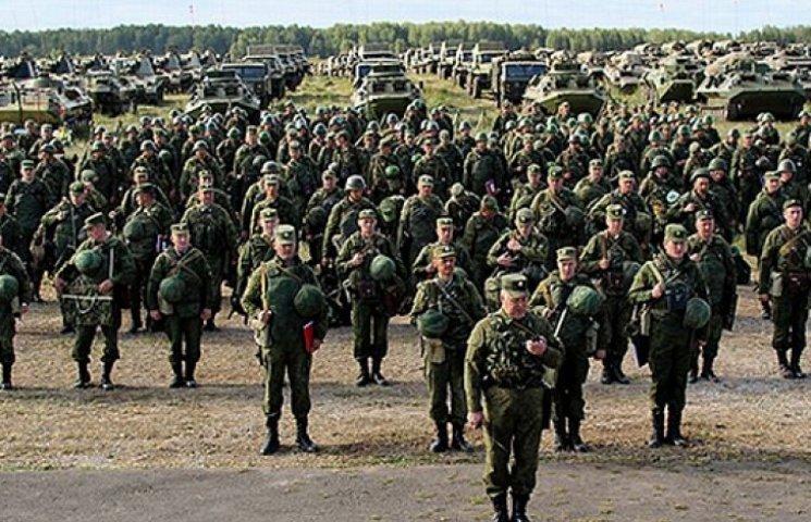 В РФ к границе с Украиной стянули 45-тысячное войско