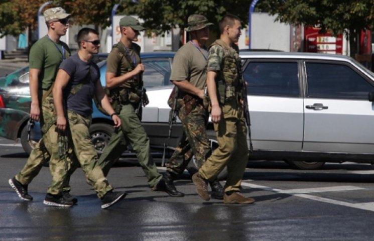 Шесть украинских батальонов окружены под Иловайском - СМИ