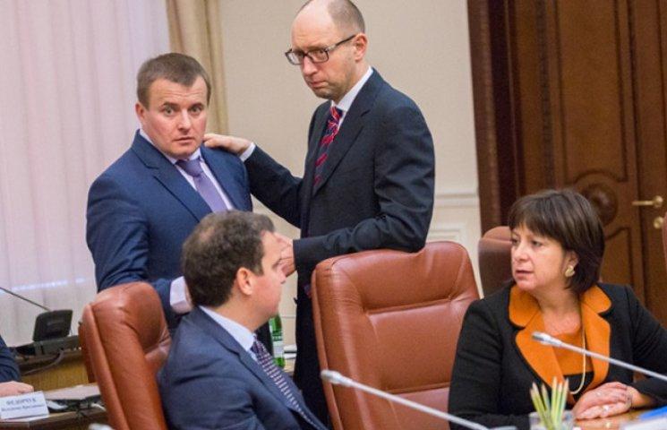 Яценюк уже підготувався до зриву опалювального сезону