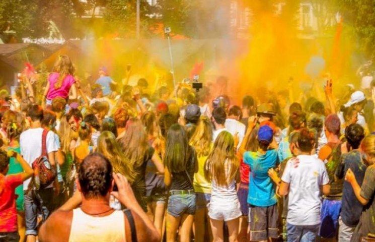 """Одеса прийняла фестиваль """"Holi Color Fest"""""""