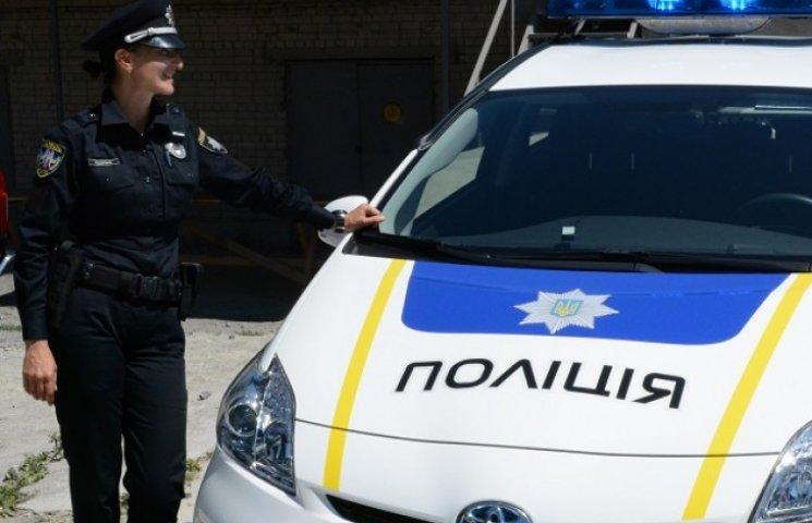 Кожен шостий кандидат в патрульну поліцію Дніпропетровська – дівчина