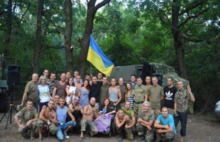 Волонтери Мистецької подільської сотні вчергове повернулися з передової