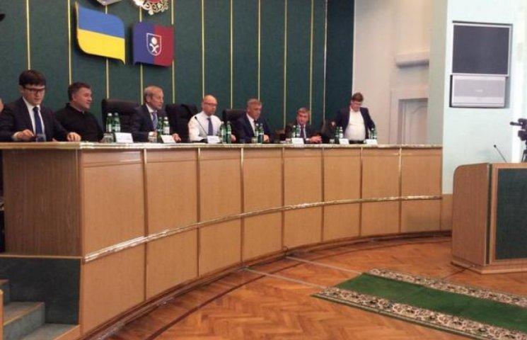 Яценюк завдав клопоту хмельницьким чиновникам
