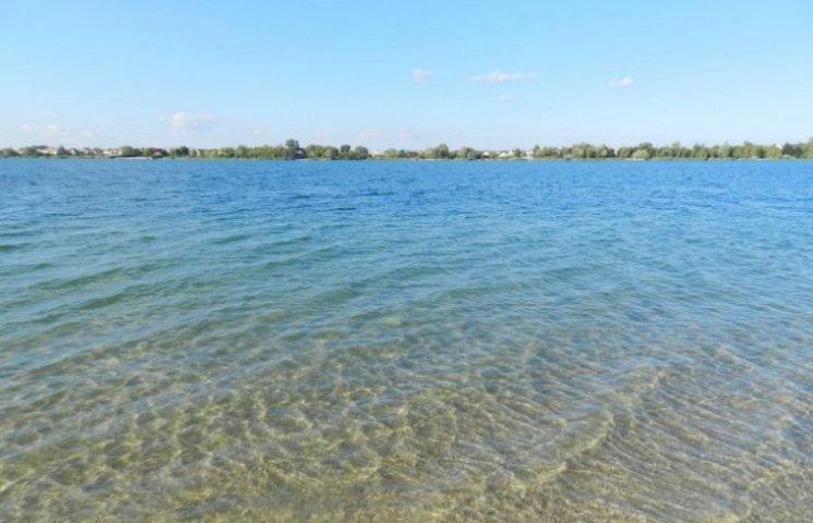 Озеро Задорожнє загородили межигірським парканом