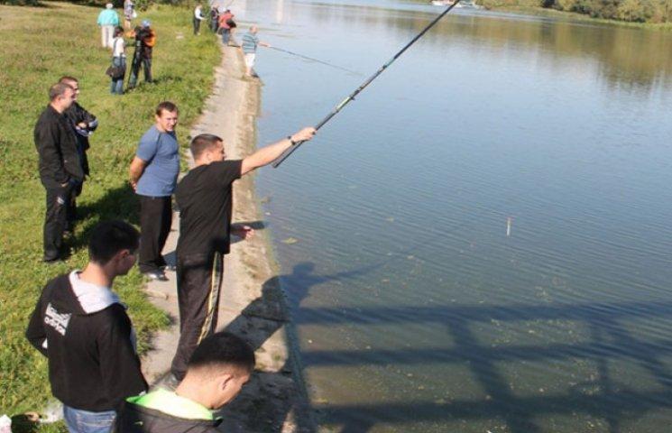 На Славутчині в День прапора змагатимуться рибалки