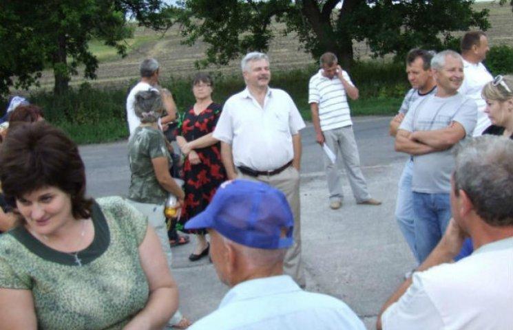 Мешканцям Біликів і досі смердить російський свинокомлекс