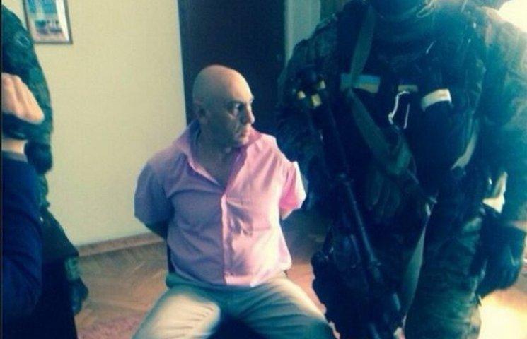 Аваков даремно радів викриттю криворізького хабарника: той повернувся до роботи