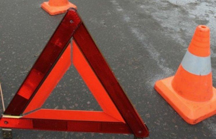 Житель Хмельниччини знайшов труп на дорозі
