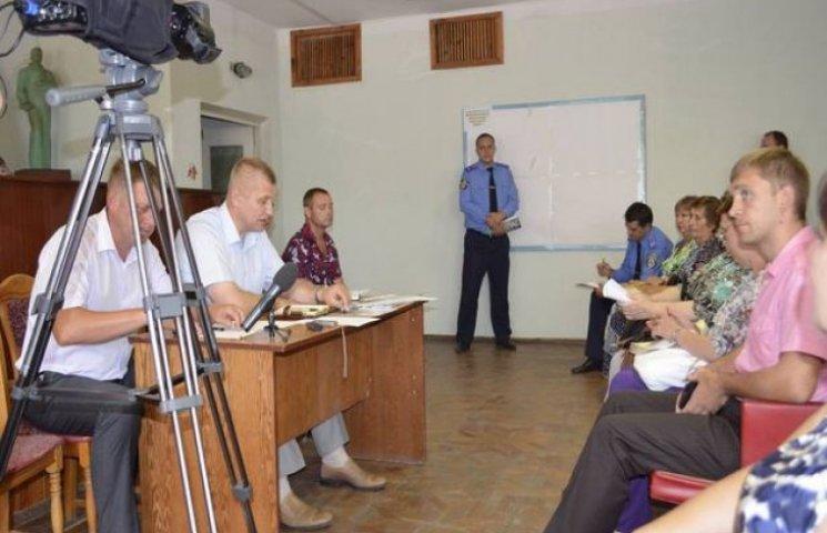 На Хмельниччині невідомі у балаклавах побили жінку-інваліда