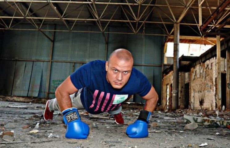 Узелков, Бессонова та Вірастюк рятуватимуть напіврозвалені спортзали