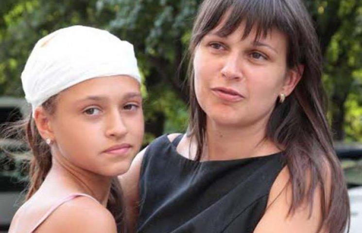 Маленька мешканка Запоріжжя, в яку стріляли з пістолету, перенесла операцію