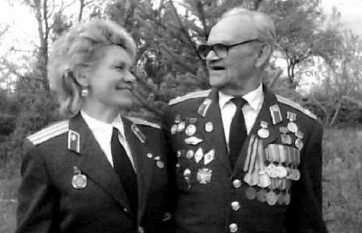 81-річний полковник-вишивальник створив музей своїх картин