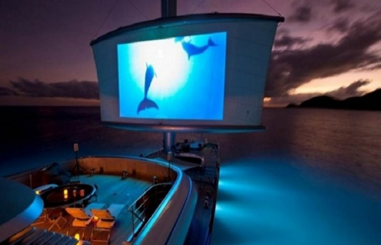 Пєсков поплив у весільну подорож на найдорожчій парусній яхті в світі