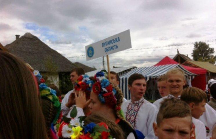 На Сорочинський ярмарок приїхали гості з Донбасу