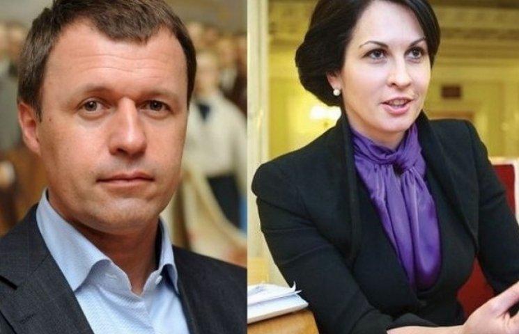 Екс-нардепам Оксані Калетник та Віктору Жеребнюку анулювали дипломатичні паспорти