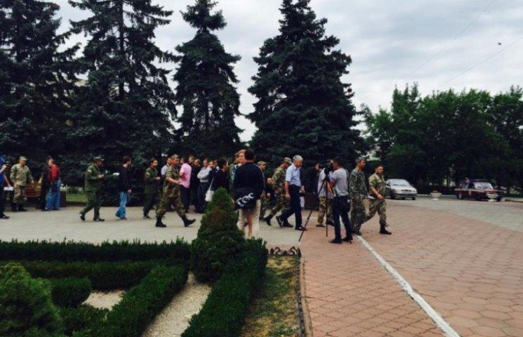 Учасниками АТО заблоковано Іллічівську міськраду