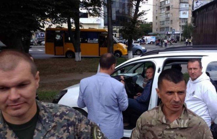 """Керівника КП """"Полтава-сервіс"""" затримали під час отримання хабара"""