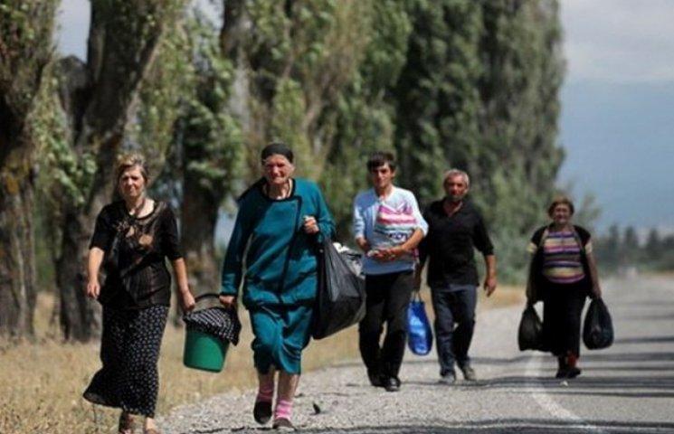 На придніпровських вокзалах продовжують селити переселенців
