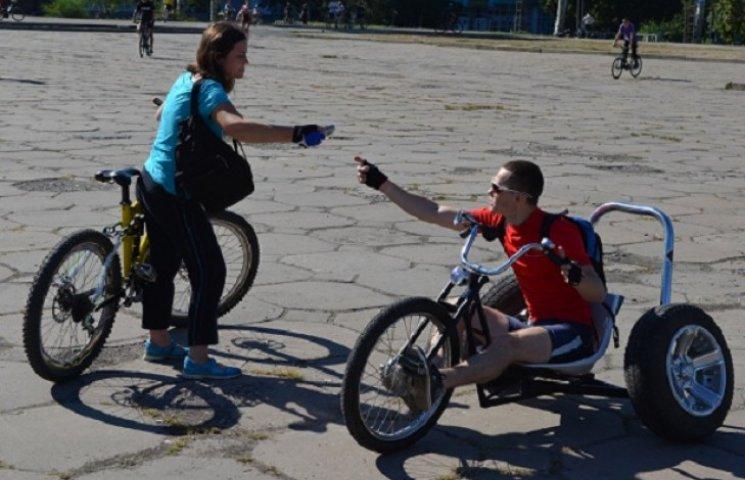 У Запоріжжі вдарили велопробігом по байдужості чиновників