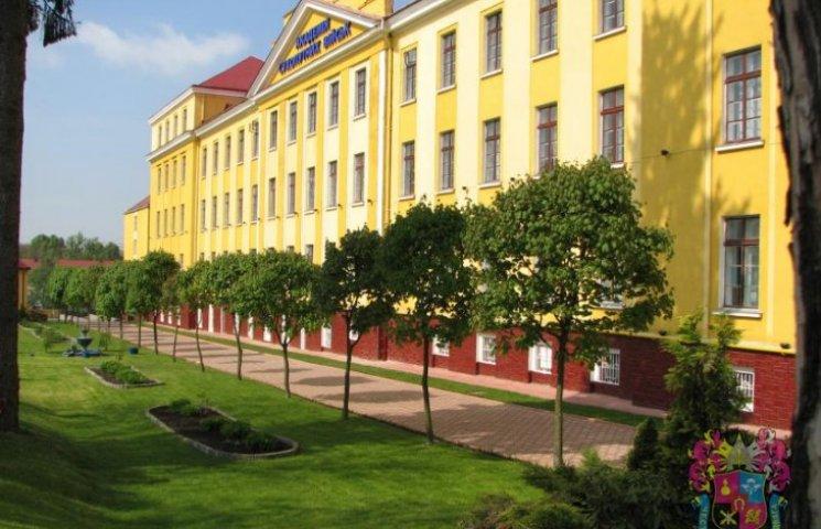 В Академії сухопутних військ відкрили Алею Слави випускників
