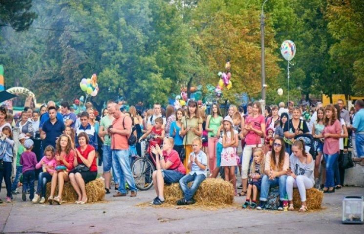 """У Славуті відбувся промовистий фестиваль """"Мистецтво на руїнах"""""""