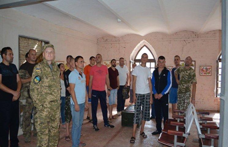 Бійцям зі Староконстянтинівського шпиталю організували мистецький релакс
