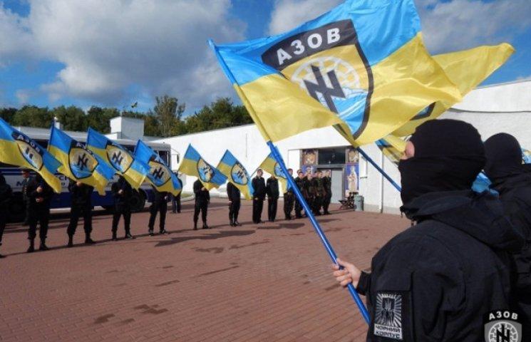 """Бійці """"Азову"""" вчитимуть вінничан правилам користування зброєю"""