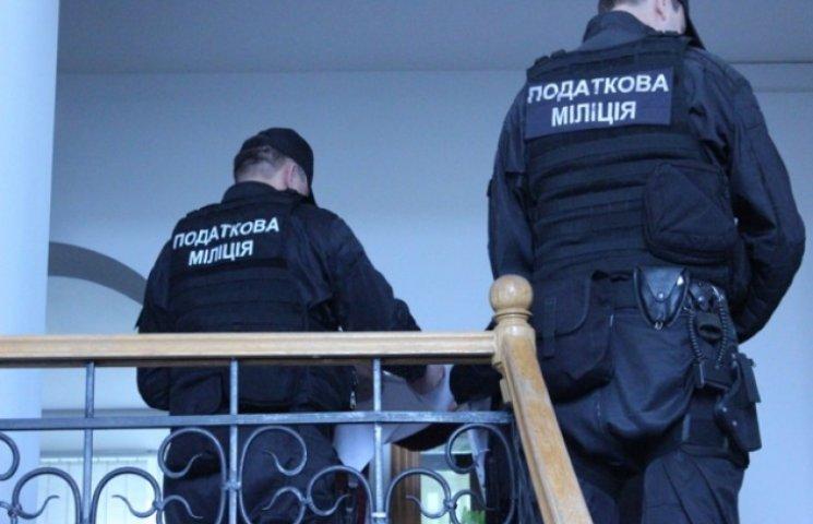 На Хмельниччині податківці витягли з кримінальних схем 8 мільйонів гривень