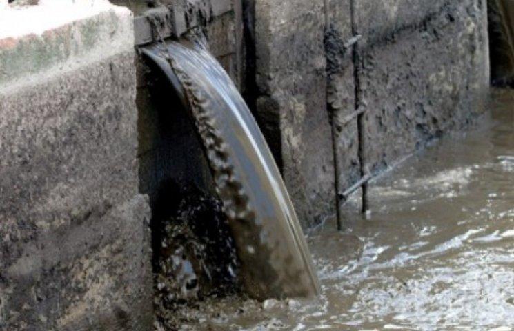 У Новій Одесі зливають фекалії у Південний Буг: влада не реагує