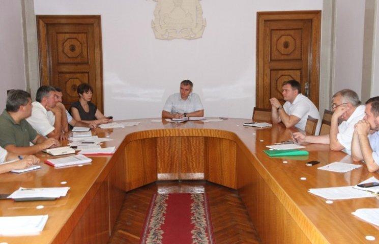 Миколаївських чиновників забов