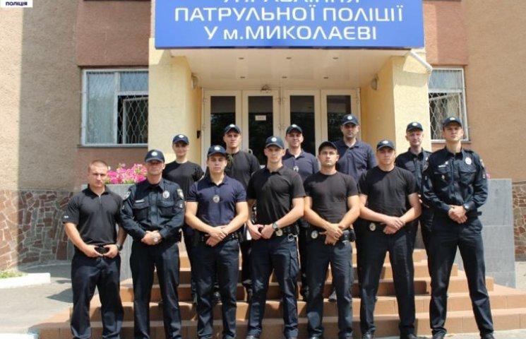 Четверо миколаївських патрульних стали інструкторами з прикладної стрільби