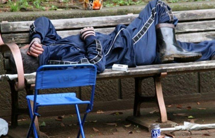 Вінничани не хочуть ділити дитячі майданчики з безхатенченками