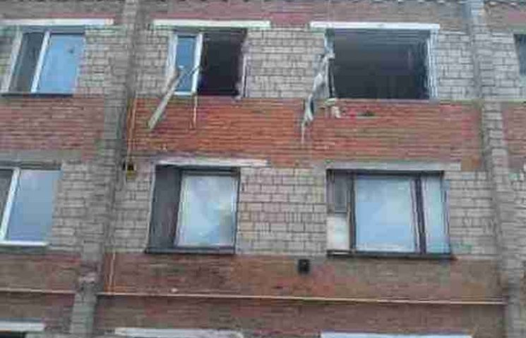 """На Вінниччині вибух газу """"виніс"""" перестінок, вікна та двері квартири"""