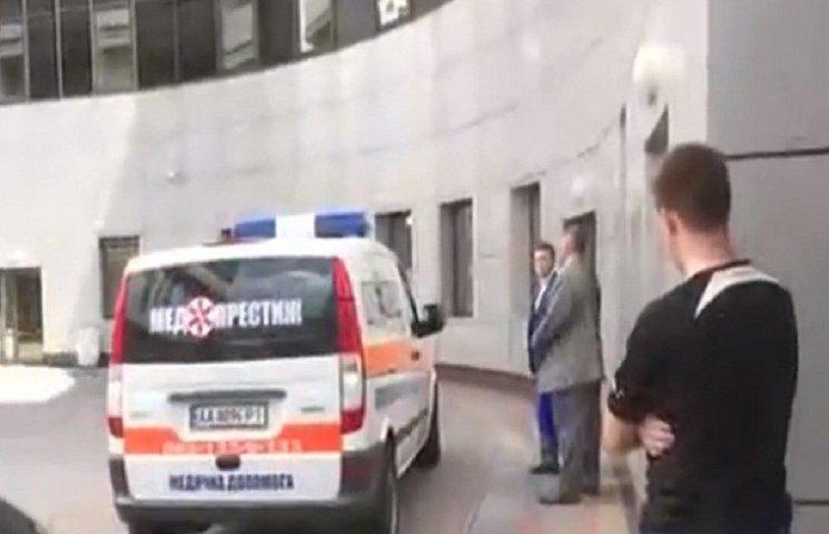 """Фигуранта """"дела Онищенко"""" принудительно привезли в суд"""