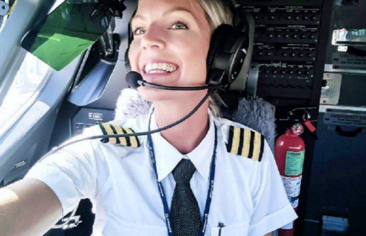 31-річна білявка-пілот Боїнга зі Швеції підірвала мережу
