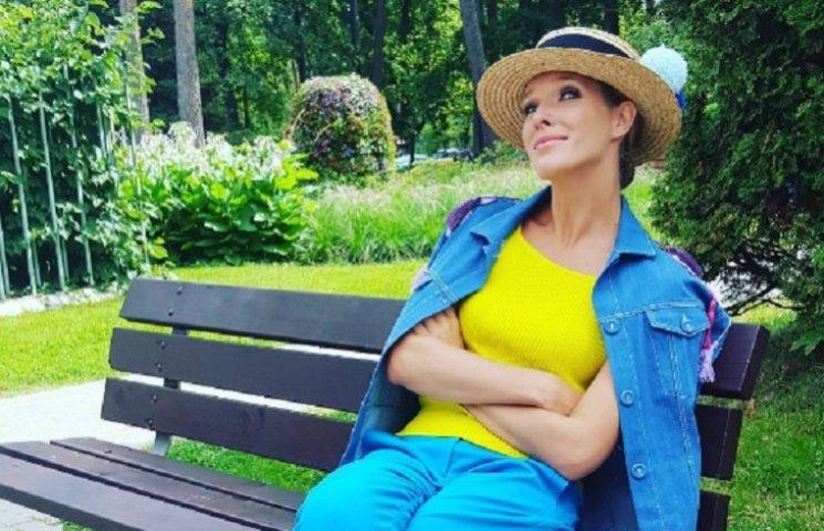 Екатерина Осадчая без макияжа показала отдых на море
