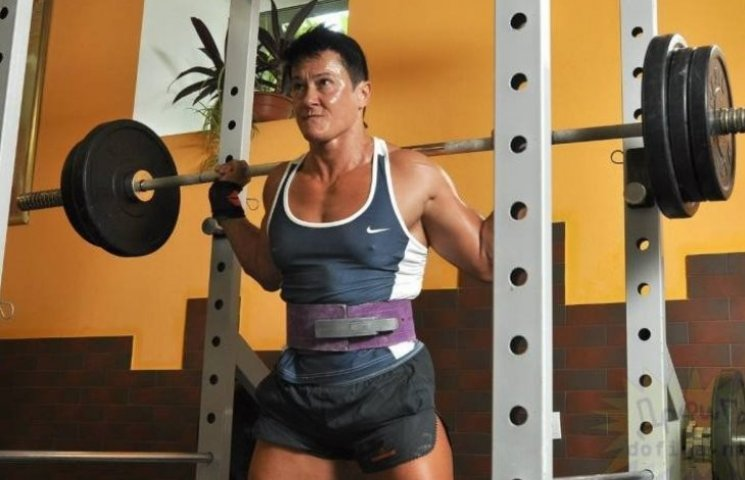 Найсильніша жінка світу Анна Куркуріна залишилась без BMW Х-5