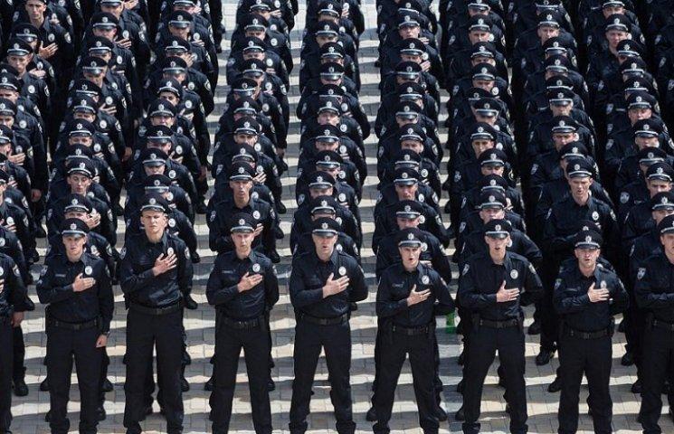 Рік Нацполіції: курйози, скандали, здобутки та трагедії копів-укропів